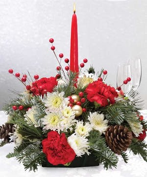 Embrace the holiday with this lovely centerpiece!