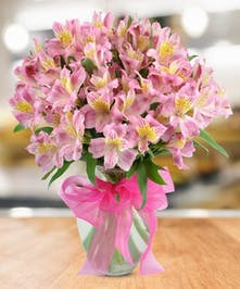 Treat mom to a beautiful hand-designed bouquet!