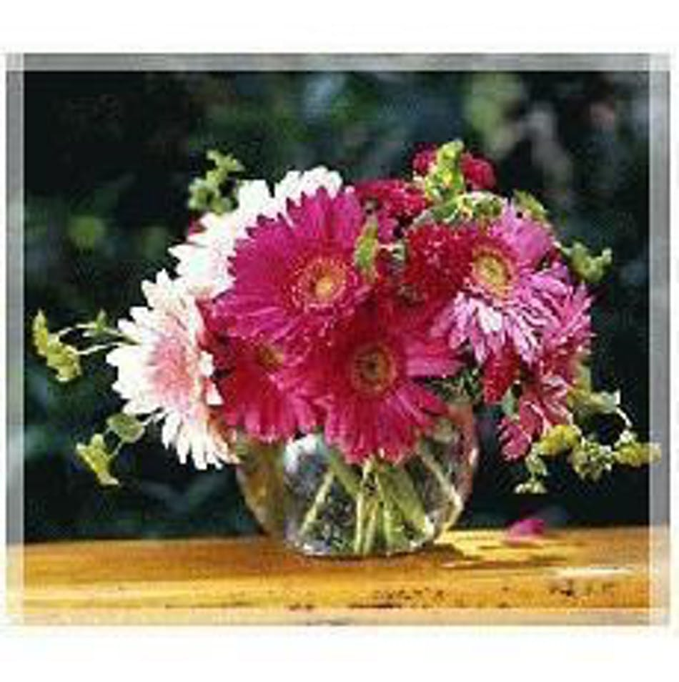 Gerbera Daisy Arrangements Vases: Gerbera Daisy Vase: Delightful Vase Of Fresh Cut Gerber